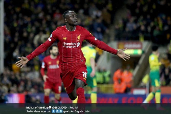 Winger Liverpool, Sadio Mane, melakukan selebrasi kala Liverpool menang atas Norwich City pada laga di Liga Inggris musim 2019-2020.
