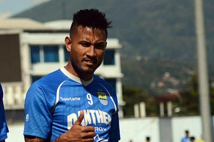 Pemain Persib positif Corona, Wander Luiz