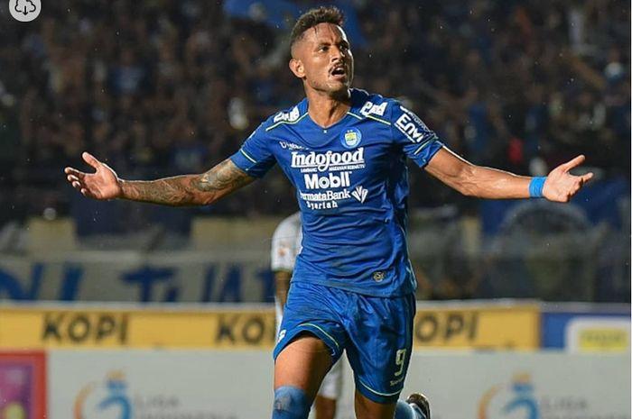 Striker Persib Bandung Wander Luiz positif terkena virus corona (Covid-19).