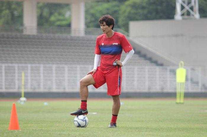 Asisten pelatih timnas Indonesia,  Gong Oh Kyun, positif virus corona