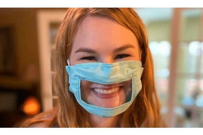Desain masker yang mempermudah penyandang tuli