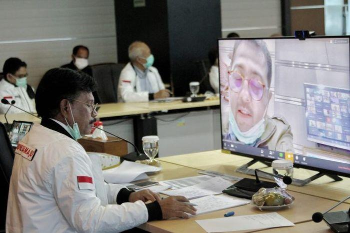 Menkominfo Johnny G Plate saat melakukan rapat dengan anggota Komisi I DPR RI secara online, Selasa (7/4/2020).