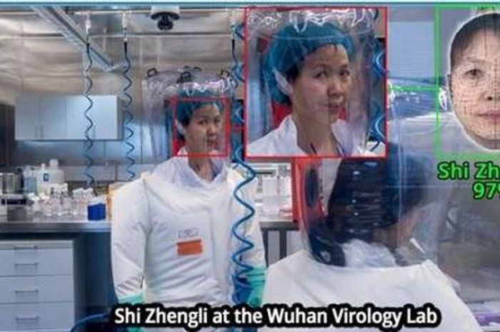 Ilmuwan Shi Zhengli di laboratorium.