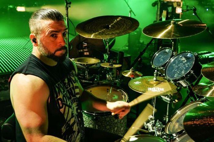 Dari The Beatles Hingga Slayer Drummer System Of Down Sebutkan 10 Album Musik Yang Ubah Hidupnya Semua Halaman Hai