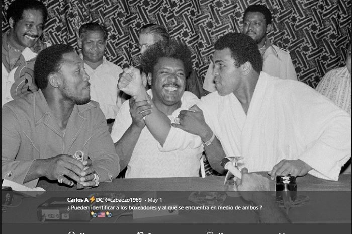 Don King (tengah) dan Muhammad Ali (kanan)