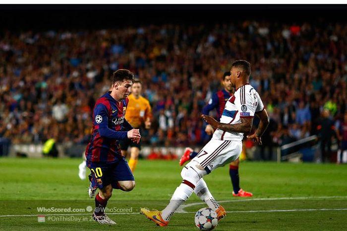Lionel Messi saat mengecoh Jerome Boateng dalam momen laga Liga Champions Barcelona melawan Bayern Muenchen.