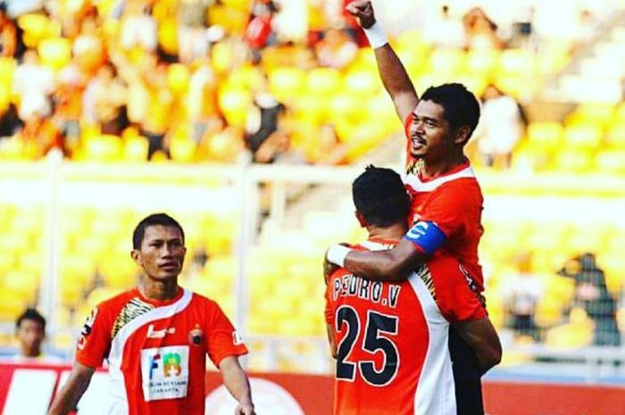 Mantan duet striker Persija Jakarta, Bambang Pamungkas dan Pedro Javier Velazquez
