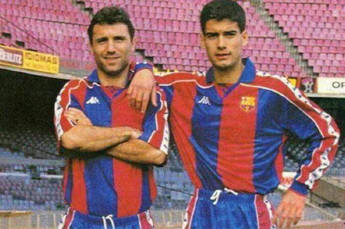 Hristo Stoichkov dan Pep Guardiola saat masih menjadi pemain Barcelona.