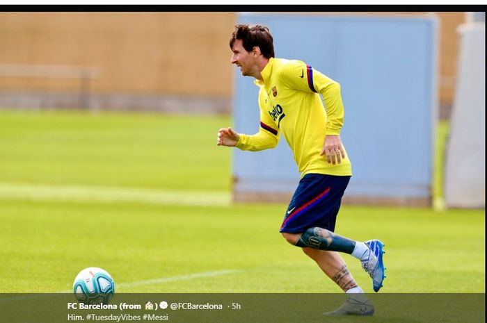Lionel Messi saat menjalani latihan individual Barcelona, 11 Mei 2020.