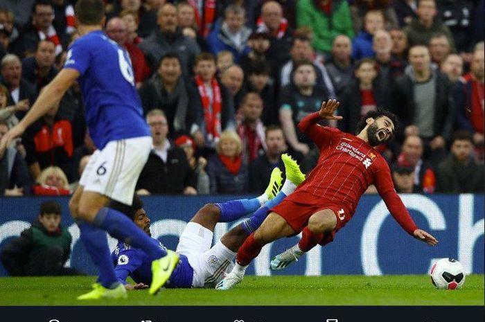 Penyerang Liverpool, Mohamed Salah, ditekel gelandang Leicester City, Hamza Choudhury, dalam laga Liga Inggris di Stadion Anfield, Sabtu (5/10/2019).