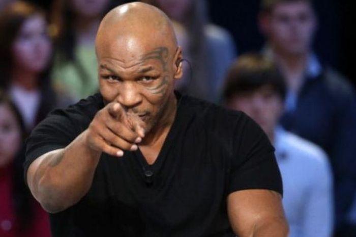 Mike Tyson rusak di depan wanita karena ibunya jadi korban KDRT.