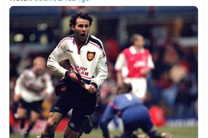 Gelandang asal Wales, Ryan Giggs, saat merayakan golnya untuk Manchester United saat melawan Arsenal.