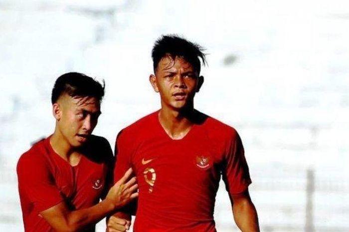Striker Timnas Indonesia U-19, Saddam Emiruddin (kanan)