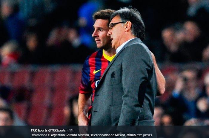 Mantan pelatih Barcelona, Gerardo Tata Martino bersama sang megabintang klub, Lionel Messi.