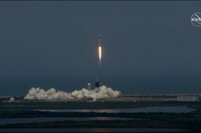 SpaceX Tiba di Stasiun Luar Angkasa, Video Ini Bun