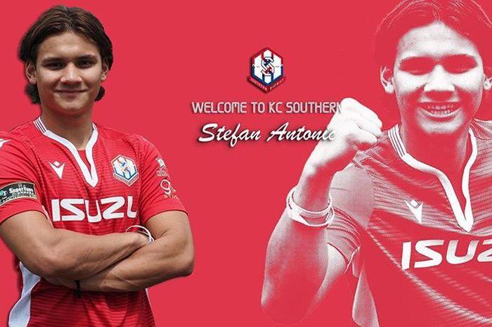 Anak pelatih PSS Sleman Dejan Antonic, Stefan Antonic, bergabung dengan Southern District FC dan disebut sebagai pemain lokal Hong Kong.