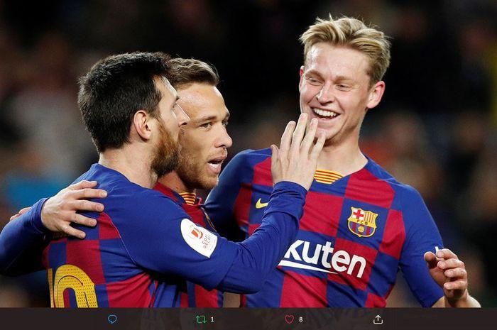 Ada satu pemain yang tak tersentuh sama sekali dari starting line-up Barcelona era Ronald Koeman dan itu bukan Lionel Messi.