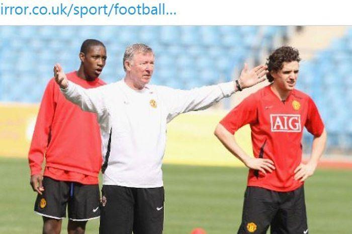 Pelatih legendaris Manchester United, Sir Alex Ferguson, ternyata mesti melerai anak-anak asuhnya yang mau berkelahi H-1 menjelang final Liga Champions 2008.