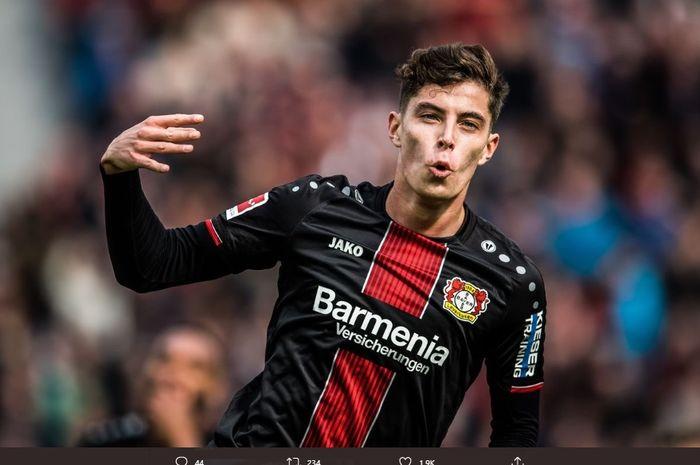 Gelandang serang Bayer Leverkusen, Kai Havertz, dirumorkan akan bergabung ke Chelsea.