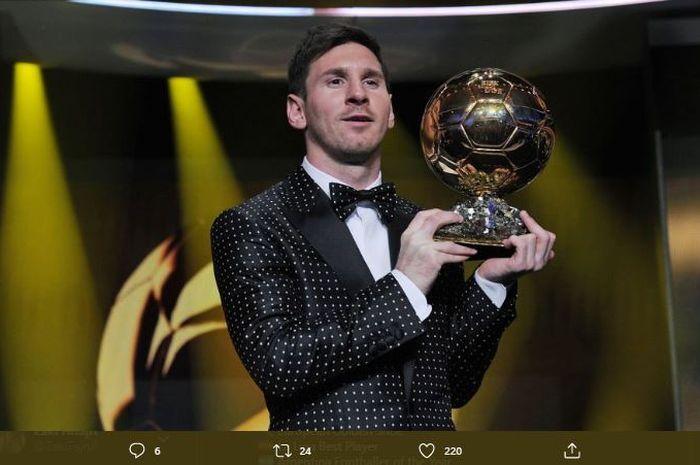 Lionel Messi saat menerima Ballon d'Or pada 2012.