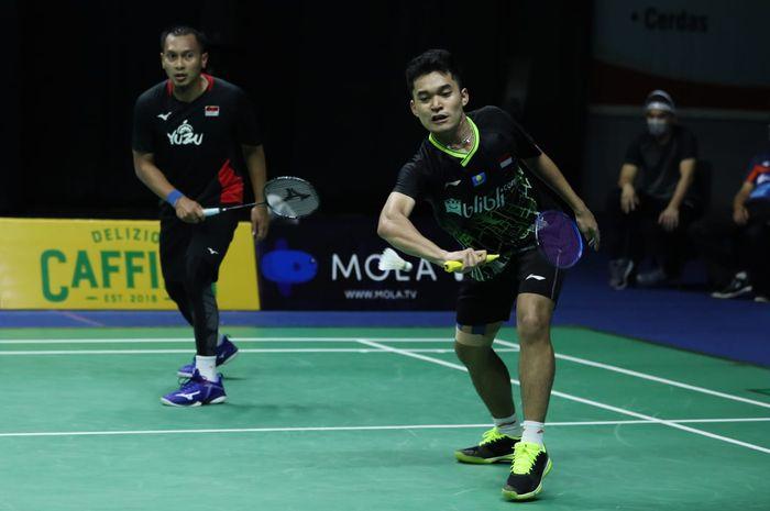 Pasangan ganda putra, Mohammad Ahsan/Leo Rolly Carnando pada sesi kedua PBSI Home Tournament di pelatnas Cipayung, Jakarta, Kamis (25/6/2020).
