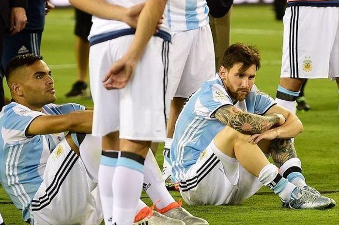 Ekspresi megabintang timnas Argentina, Lionel Messi, seusai kalah dari Cile pada final Copa America 2016.