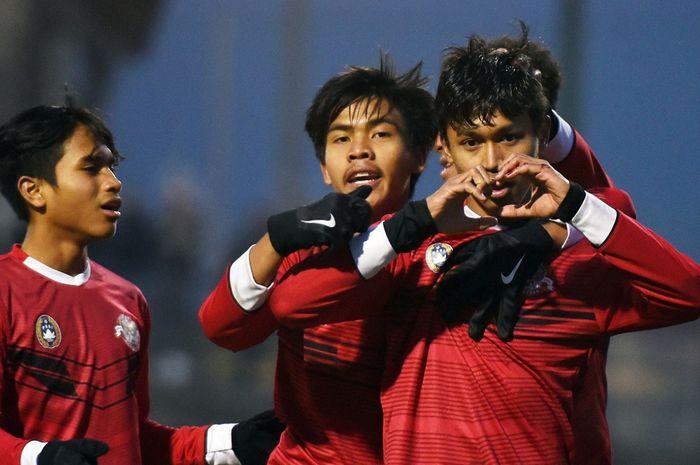 Pemain Persija Jakarta U-18, Alfriyanto Nico Saputra saat memperkuat Garuda Select.