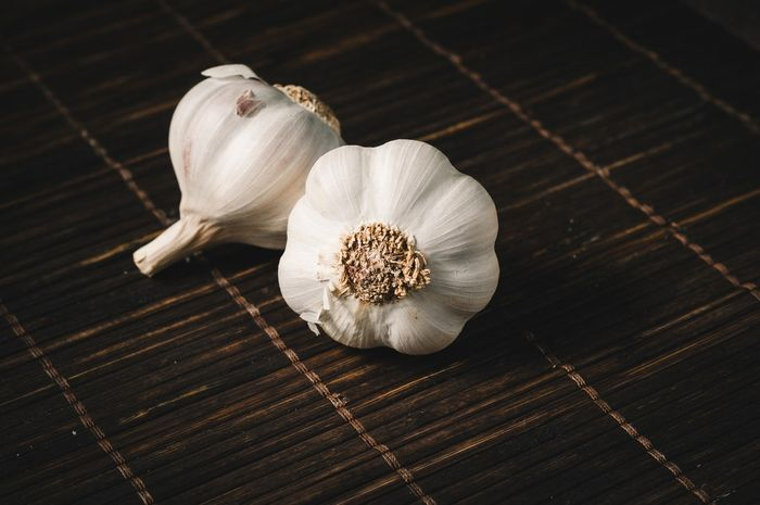 khasiat kulit bawang putih