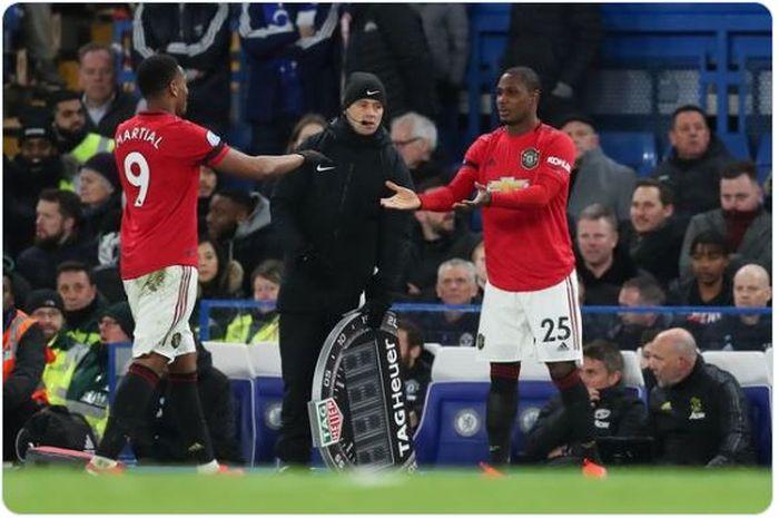 Dua penyerang Manchester United, Anthony Martial (Kiri) dan Odion Ighalo.