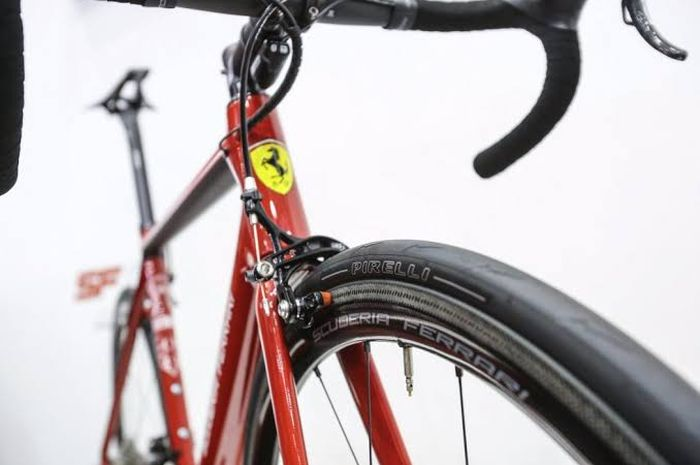 Viral Sepeda Keluaran Ferrari Punya Harga yang Bikin Sobat