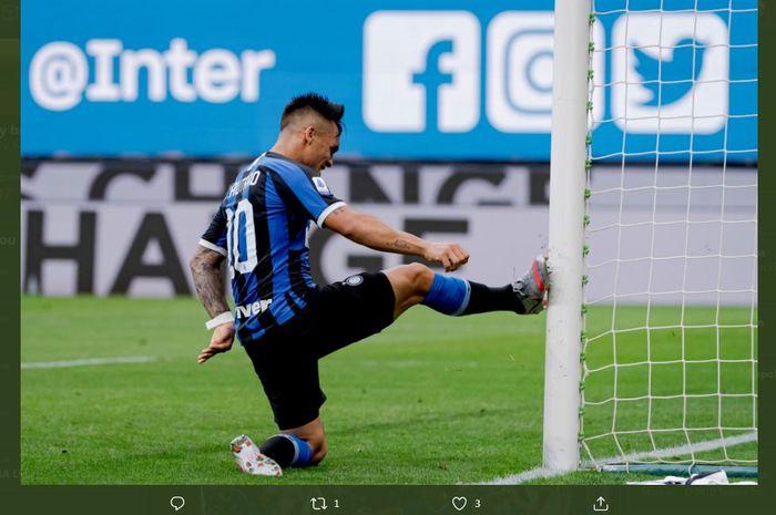 Ekspresi kekesalan Lautaro Martinez setelah gagal cetak gol untuk Inter Milan.