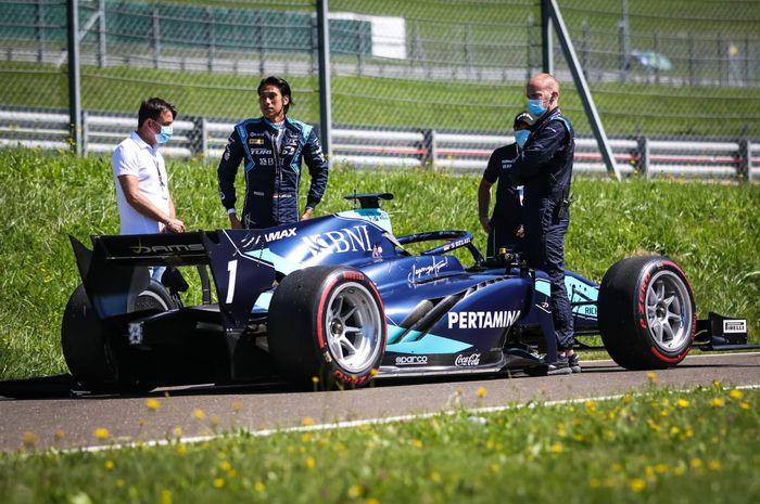 Pembalap F2, Sean Gelael, gagal menyelesaikan balapan seri pertama pada GP Austria di Red Bull Ring