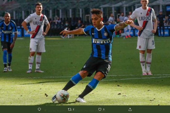 Lautaro Martinez gagal mencetak gol lewat tendangan penalti ke gawang Bologna, 5 Juli 2020.