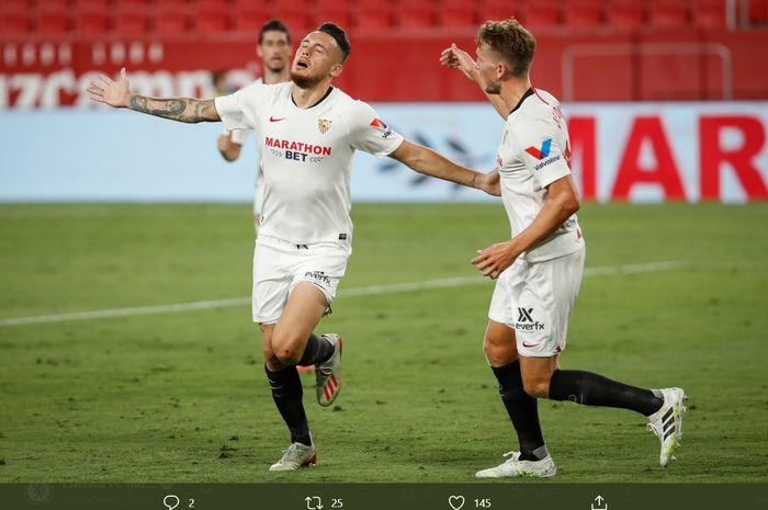 Selebrasi penyerang sayap Sevilla, Lucas Ocampos, usai membobol gawang Eibar pada laga pekan ke-34 Liga Spanyol, Senin (6/7/2020).