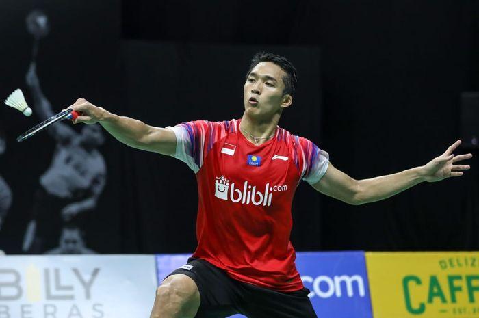 Pebulu tangkis tunggal putra, Jonatan Christie pada sesi pagi PBSI Home Tournament di pelatnas Cipayung, Jakarta, Rabu (8/7/2020).