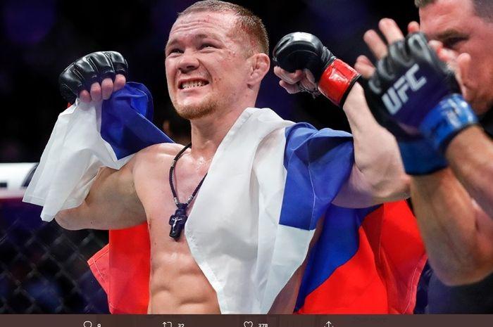 Petarung asal Rusia, Petr Yan, menjadi juara kelas bantam usai habisi Jose Aldo pada UFC 251 Minggu (12/7/2020) pagi WIB.