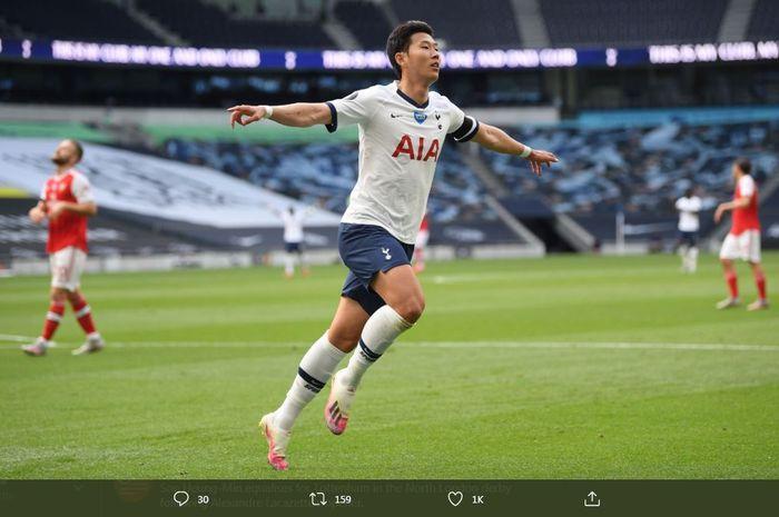 Son Heung-min merayakan golnya untuk Tottenham Hotspur ke gawang Arsenal dalam laga Liga Inggris di Tottenham Hotspur Stadium, 12 Juli 2020.