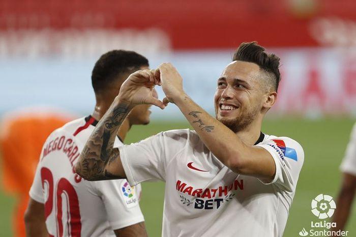 Lucas Ocampos mencetak gol untuk Sevilla dalam laga kontra Mallorca, Minggu (12/7/2020).