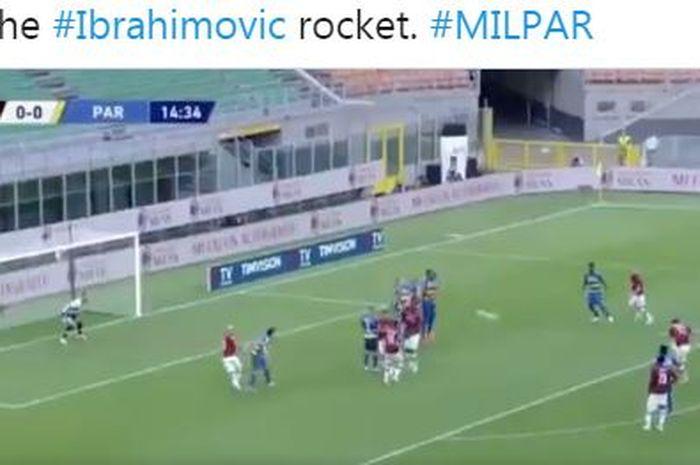Bek 30 tahun Parma menahan free-kick striker AC Milan, Zlatan Ibrahimovic, memakai kepala sehingga mental dan kesakitan dalam laga Liga Italia.