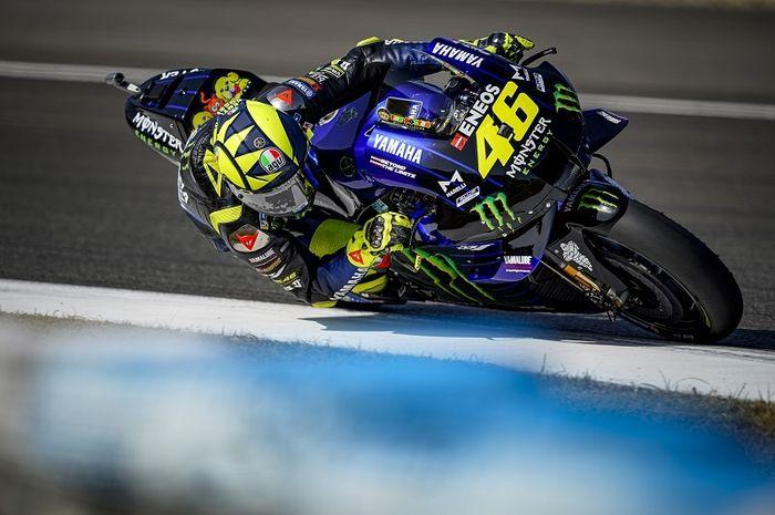 Pembalap Monster Energy Yamaha, Valentino Rossi, ketika melakoni sesi latihan bebas MotoGP Spanyol di Sirkuit Jerez, Spanyol, 17 Juli 2020.