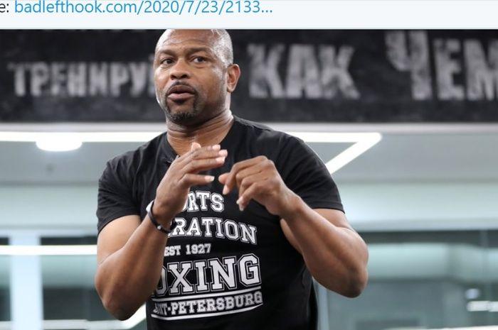 Mantan juara tinju lima divisi, Roy Jones Jr., akan menjadi lawan Mike Tyson pada pertandingan ekshibisi.