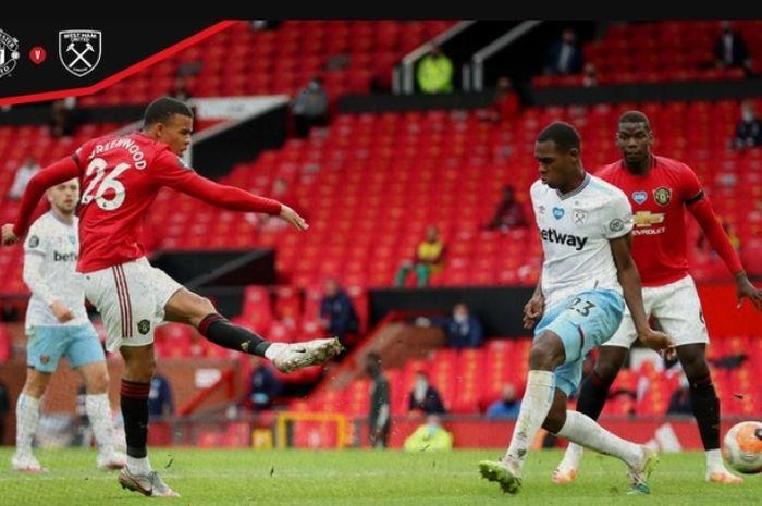 Penyerang Manchester United, Mason Greenwood, mencetak gol ke  gawang West Ham United dalam laga di Old Trafford, Rabu (22/7/2020).