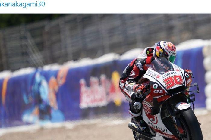 Pembalap LCR Honda, Takaaki Nakagami, saat tampil pada balapan MotoGP Spanyol di Sirkuit Jerez, Spanyol, 19 Juli 2020.