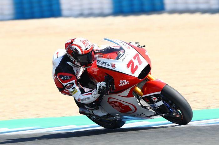 Pembalap Moto2  asal Indonesia, Andi Gilang saat tampil pada seri Moto2 Andalusia 2020