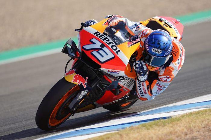 Pembalap Repsol Honda, Alex Marquez saat tampil pada sesi latihan bebas MotoGP Andalusia 2020