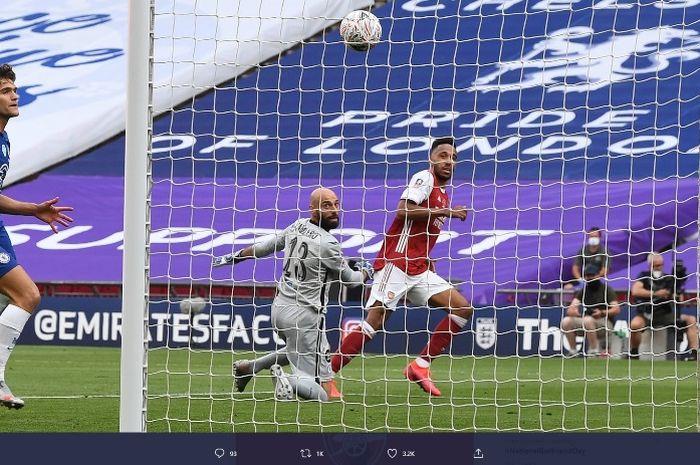 Striker Arsenal, Pierre-Emerick Aubameyang, menciptakan dua gol ke gawang Chelsea pada final Piala FA di Stadion Wembley, Sabtu (1/8/2020).