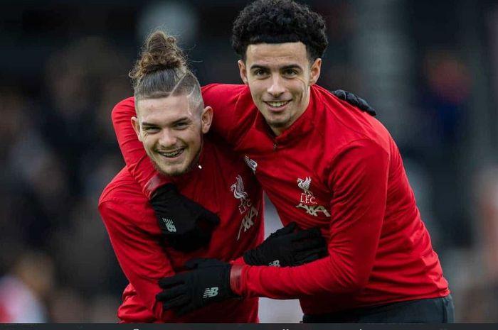 Dua youngsters Liverpool, Curtis Jones (kanan) dan Harvey Elliott (kiri)