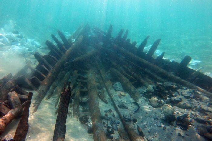 Bagian dari kapal karam Israel yang berasal dari abad ke 7 Masehi