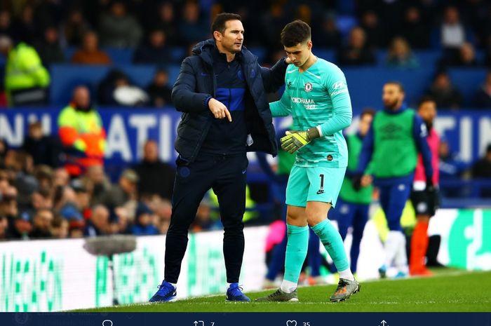 Momen kebersamaan Frank Lampard dan Kepa Arrizabalaga dalam sebuah pertandingan Chelsea di Liga Inggris.