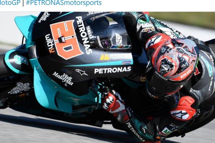 Pembalap Petronas Yamaha SRT, Fabio Quartararo, saat tampil pada sesi latihan bebas MotoGP Republik Ceska di Sirkuit Brno, Republik Ceska, 7 Agustus 2020.